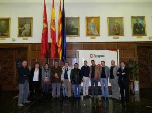 Hassana con la Comisión del Ayuntamiento de Zaragoza